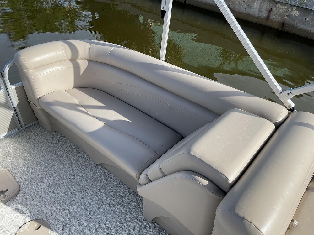 2017 Bennington boat for sale, model of the boat is 22 SSR & Image # 6 of 40