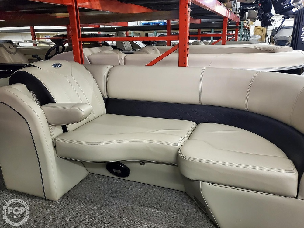 2020 Barletta boat for sale, model of the boat is E22Q CSS & Image # 11 of 40
