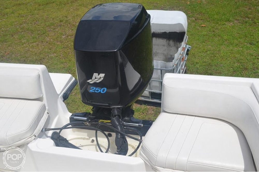 2002 Fountain boat for sale, model of the boat is 23FX & Image # 17 of 40