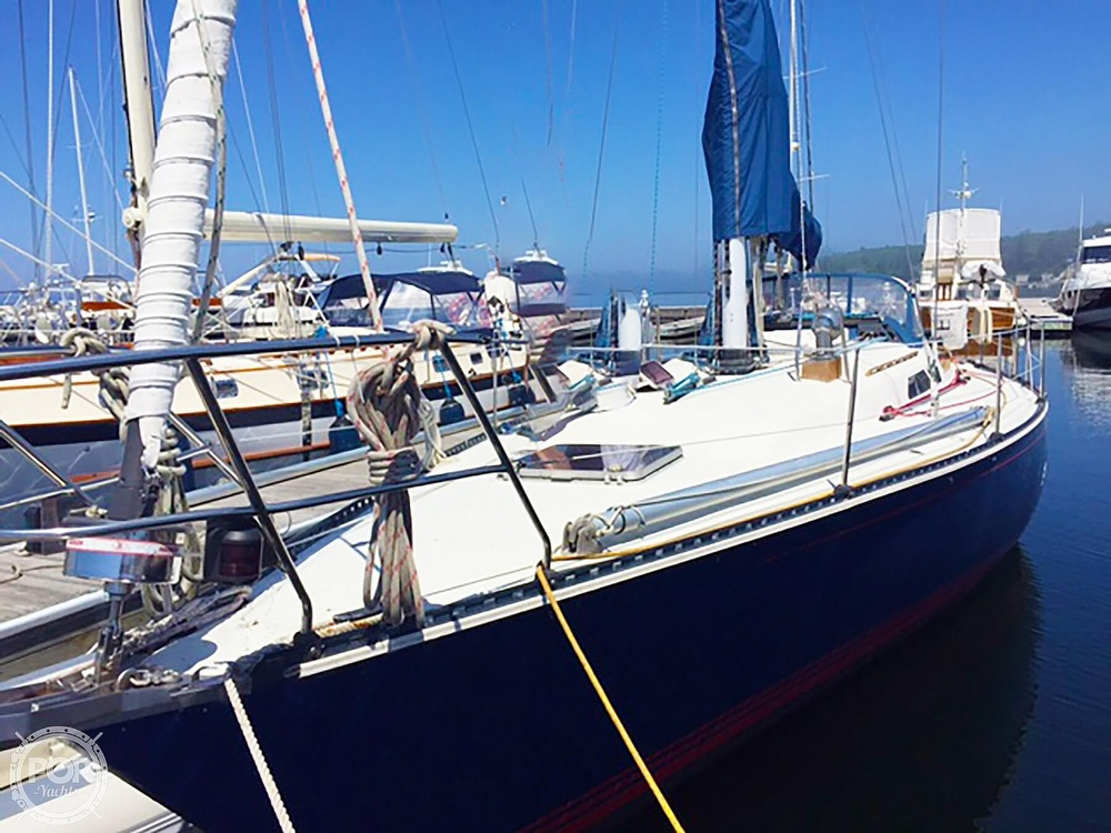 1988 C & C boat for sale, model of the boat is 41 Wing Keel & Image # 4 of 21