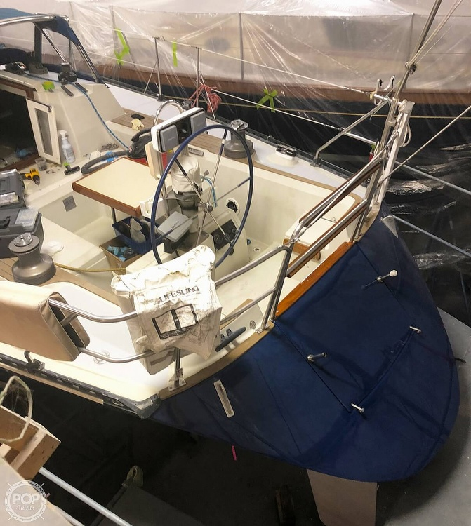 1988 C & C boat for sale, model of the boat is 41 Wing Keel & Image # 15 of 21