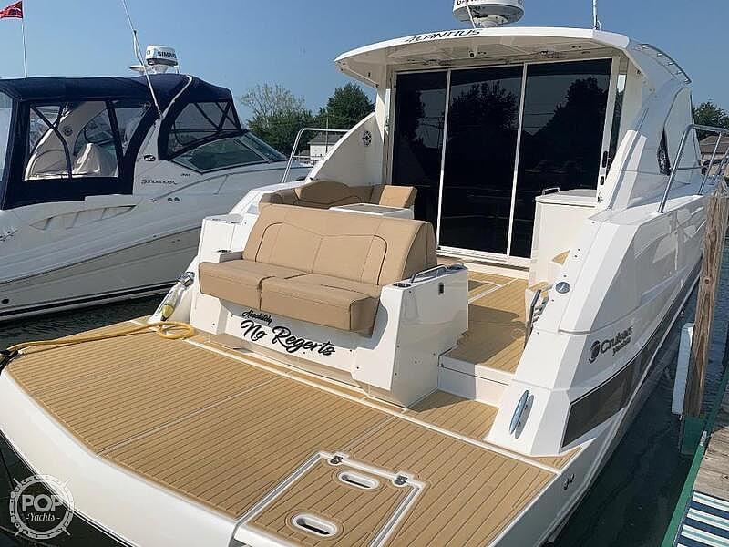 2014 Cruisers Yachts 41 Cantius - image 8