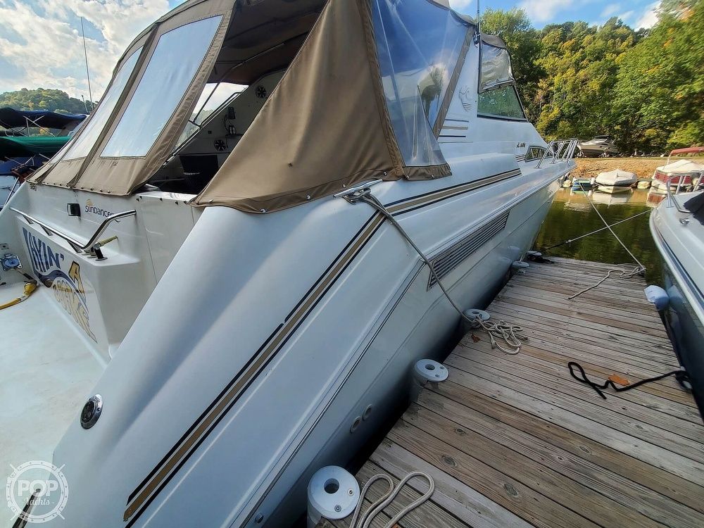 1992 Sea Ray boat for sale, model of the boat is 500 Sundancer & Image # 16 of 40