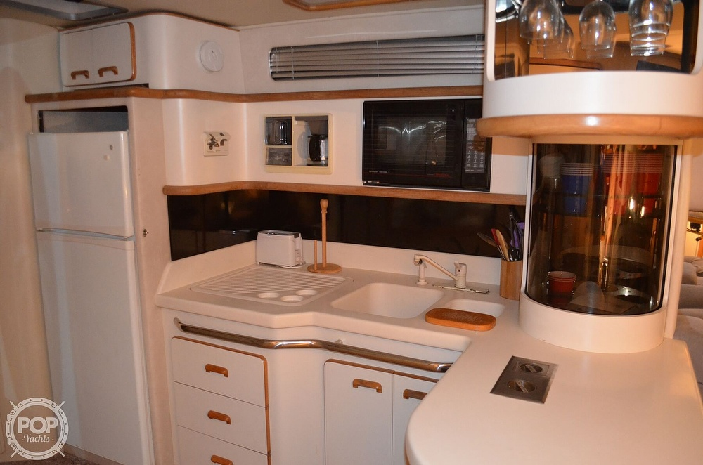 1992 Sea Ray boat for sale, model of the boat is 500 Sundancer & Image # 4 of 40