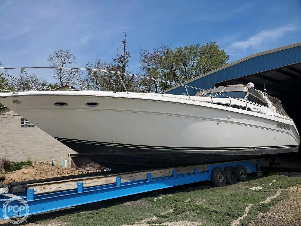 1992 Sea Ray boat for sale, model of the boat is 500 Sundancer & Image # 12 of 40