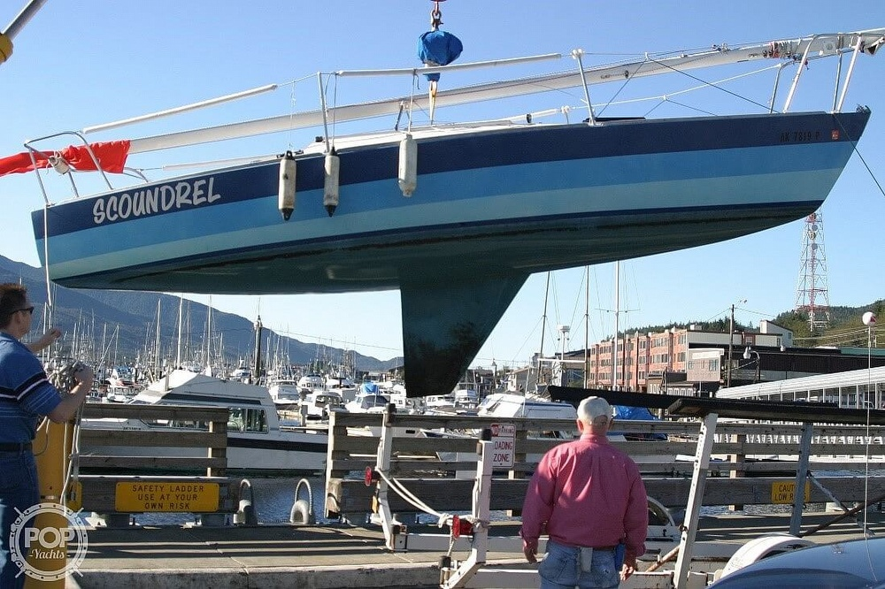 1981 J Boats boat for sale, model of the boat is J-24 & Image # 2 of 19