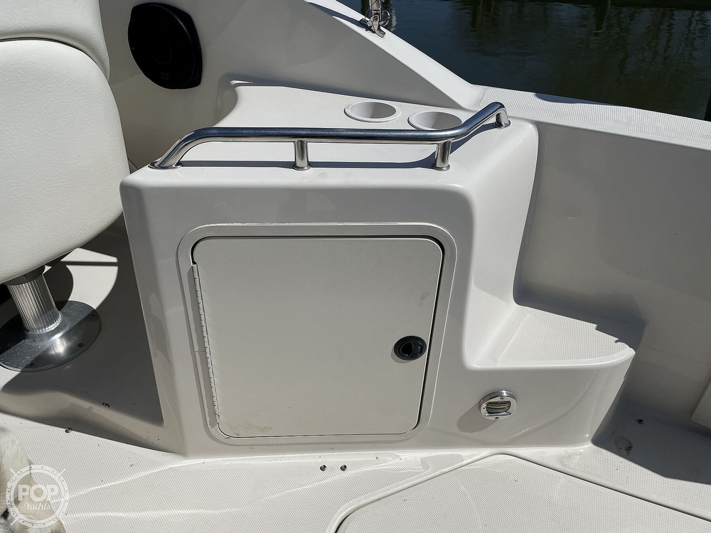 2001 Sea Ray boat for sale, model of the boat is 240 Sundancer & Image # 28 of 40
