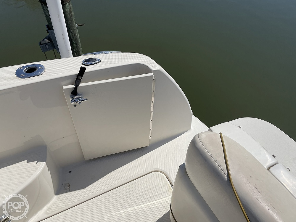 2001 Sea Ray boat for sale, model of the boat is 240 Sundancer & Image # 31 of 40