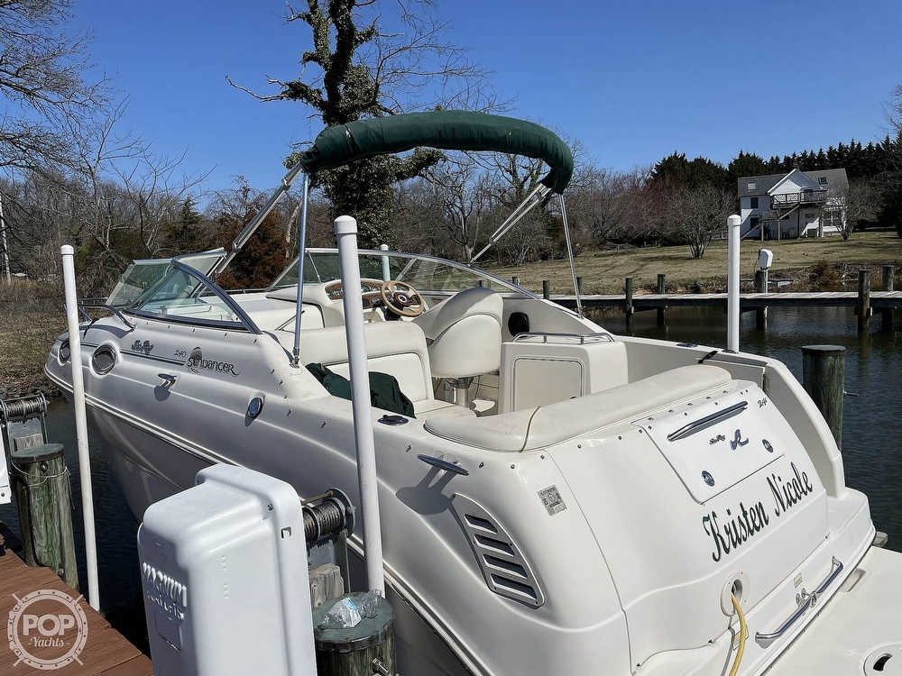 2001 Sea Ray boat for sale, model of the boat is 240 Sundancer & Image # 11 of 40