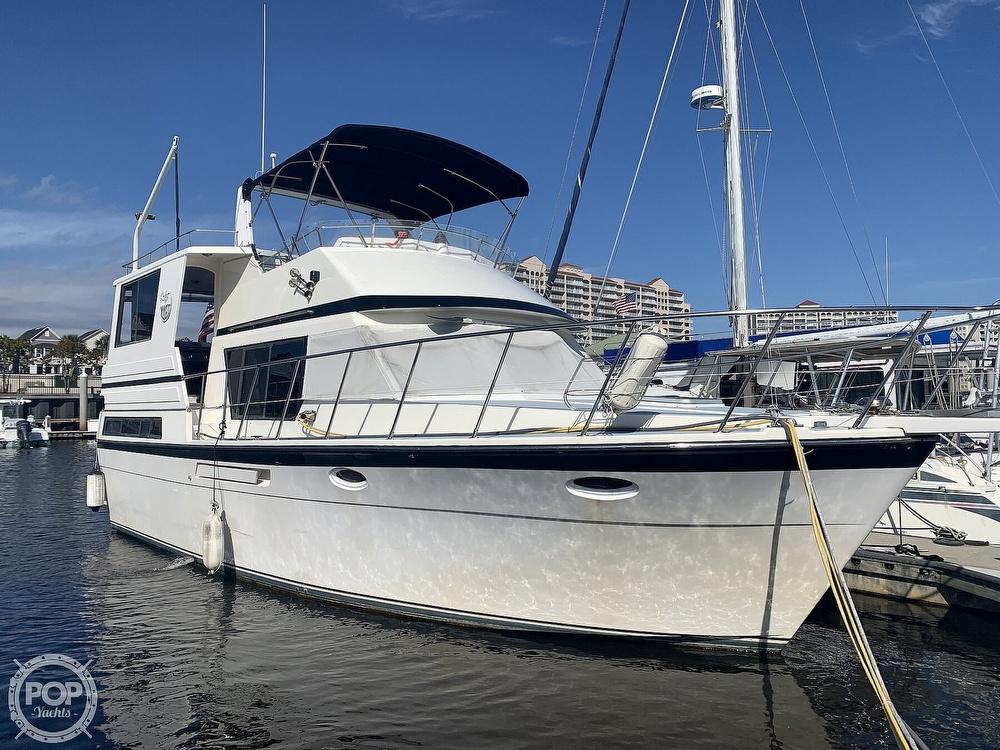 1990 Hyatt Sundeck Trawler 37