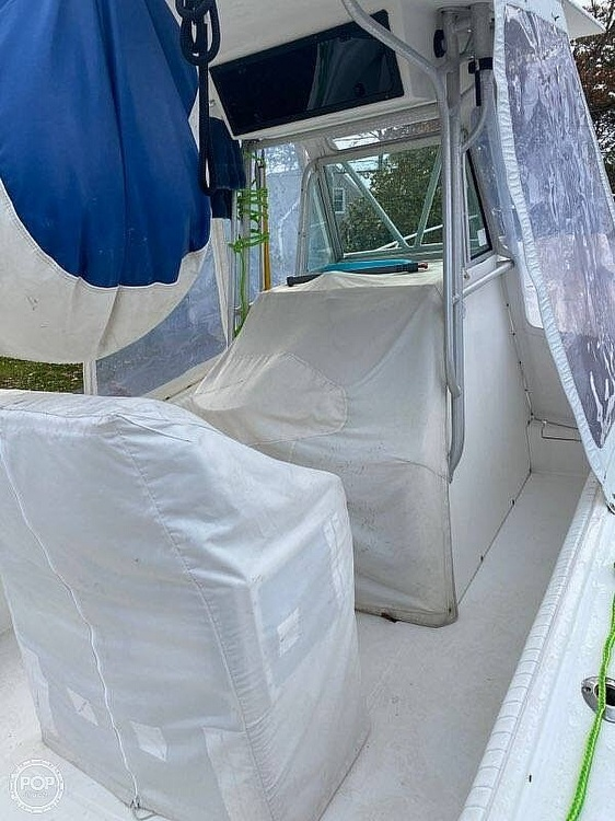 2000 Regulator Marine boat for sale, model of the boat is 26FS & Image # 4 of 40