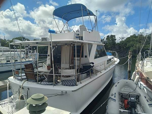 1969 Chris Craft boat for sale, model of the boat is Commander & Image # 3 of 8