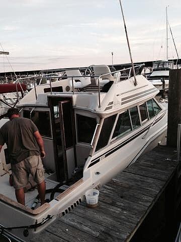 1986 Sea Ray boat for sale, model of the boat is 300 Sedan Bridge & Image # 2 of 15