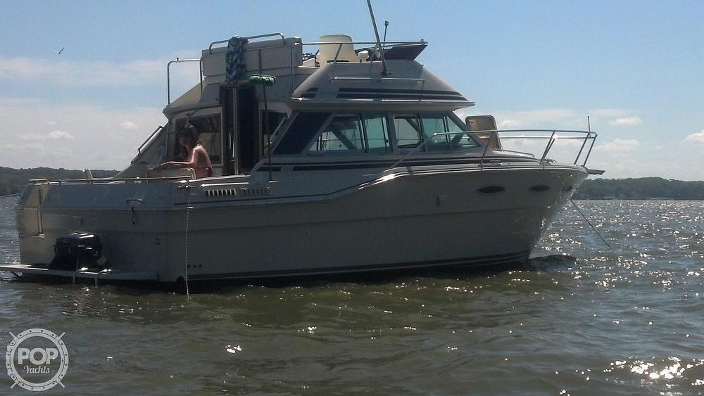 1986 Sea Ray boat for sale, model of the boat is 300 Sedan Bridge & Image # 6 of 15