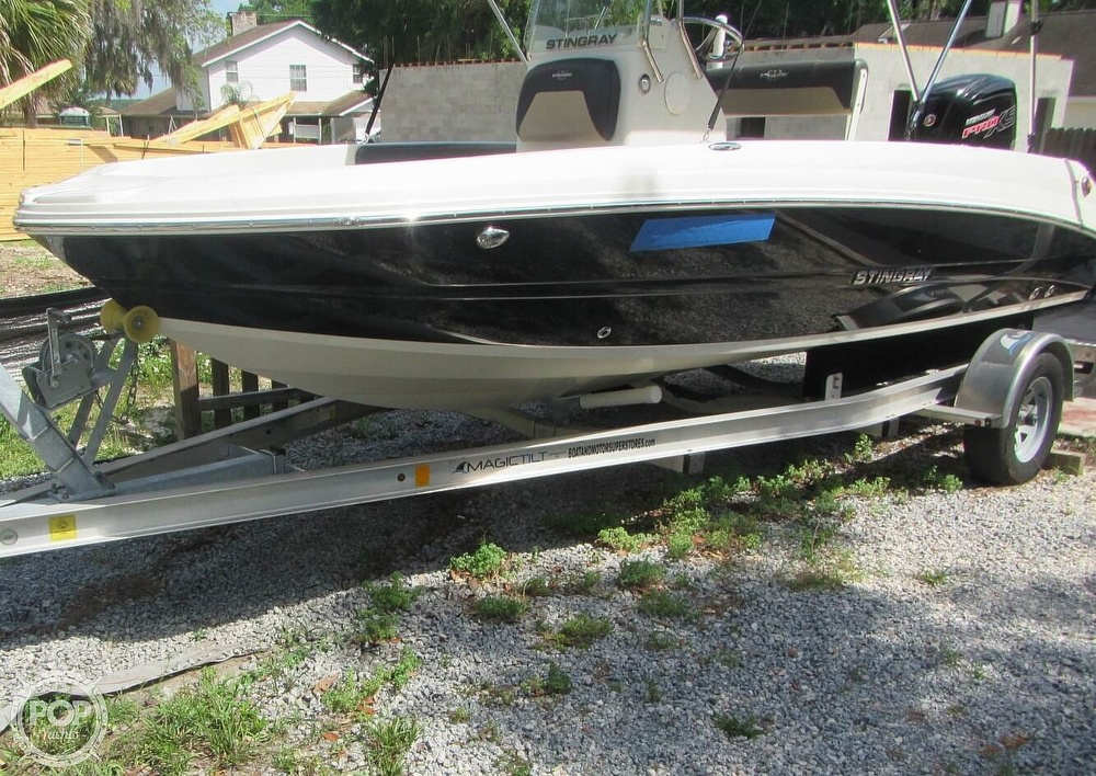 2019 Stingray boat for sale, model of the boat is 186CC & Image # 31 of 40