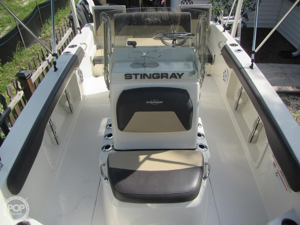 2019 Stingray boat for sale, model of the boat is 186CC & Image # 4 of 40