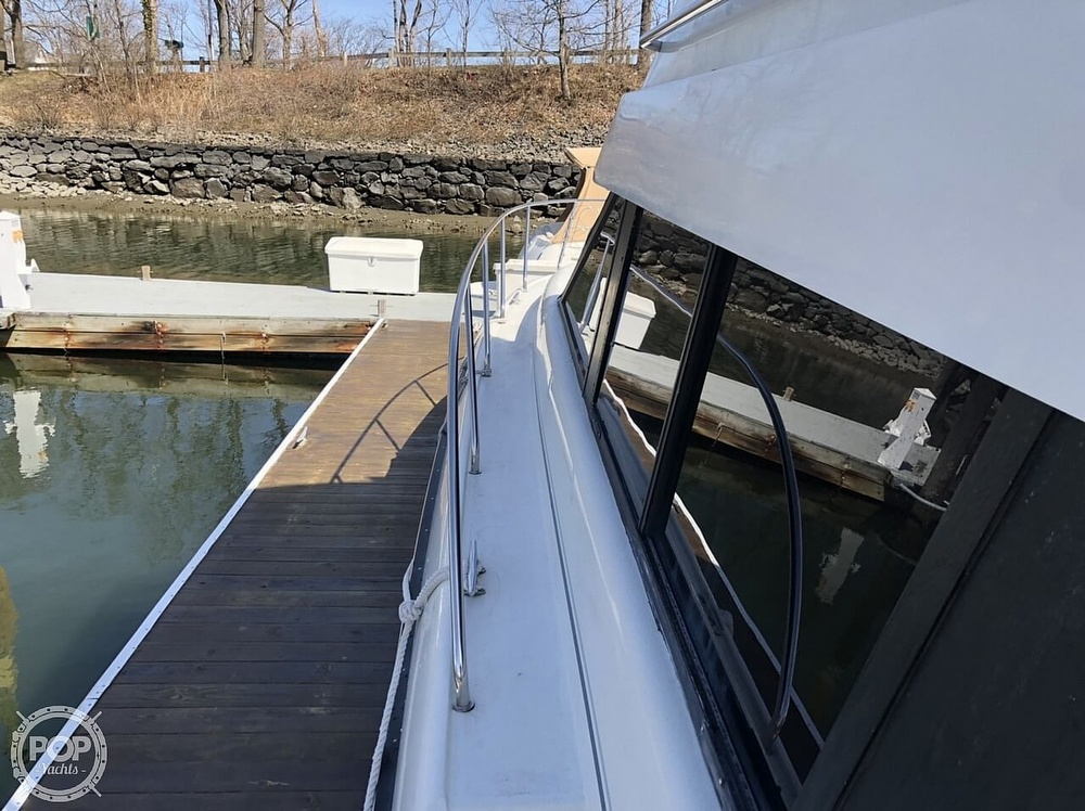 1993 Silverton boat for sale, model of the boat is 37 Convertible & Image # 21 of 40