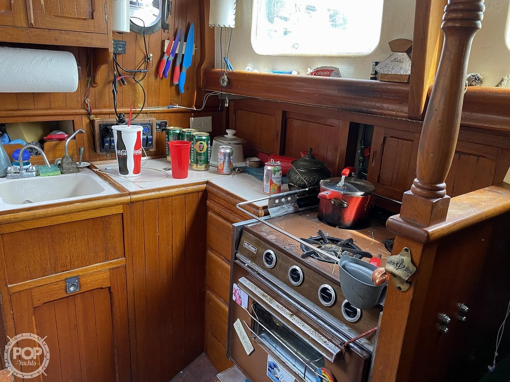 1973 Mariner boat for sale, model of the boat is 32 & Image # 28 of 40