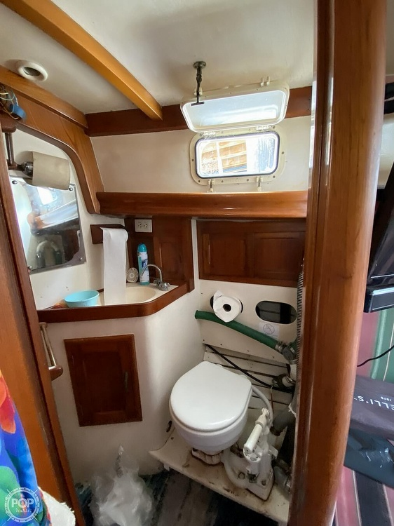 1973 Mariner boat for sale, model of the boat is 32 & Image # 18 of 40