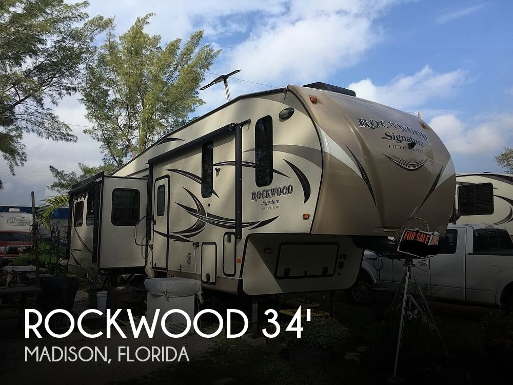 2016 Forest River Rockwood 8292BS Signature Ultra Lite