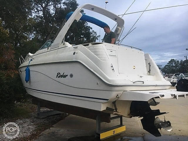 1999 Rinker boat for sale, model of the boat is Fiesta Vee 270 & Image # 2 of 40