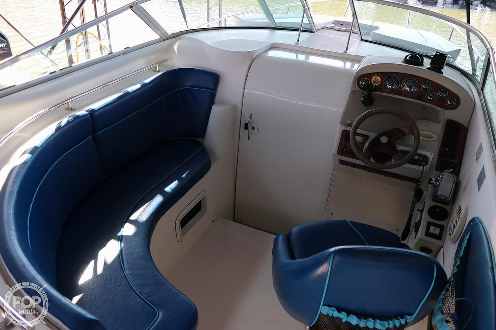 1999 Rinker boat for sale, model of the boat is Fiesta Vee 270 & Image # 8 of 40