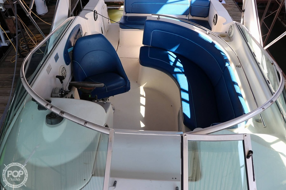 1999 Rinker boat for sale, model of the boat is Fiesta Vee 270 & Image # 15 of 40