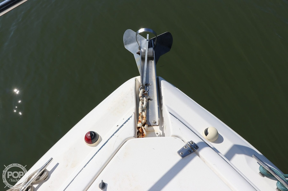 1999 Rinker boat for sale, model of the boat is Fiesta Vee 270 & Image # 20 of 40