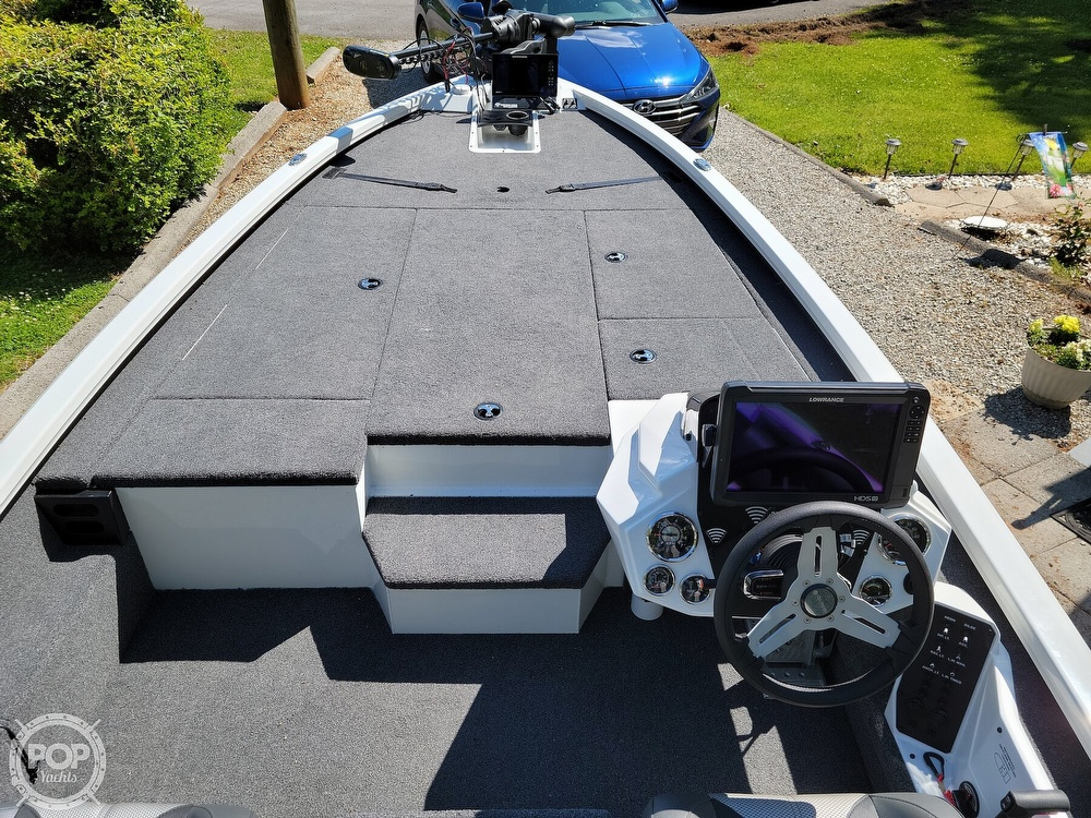 2019 Vexus boat for sale, model of the boat is AVX 2080 & Image # 11 of 40