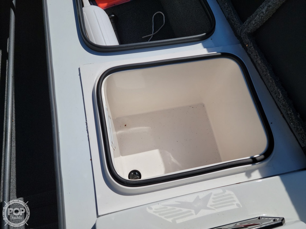 2019 Vexus boat for sale, model of the boat is AVX 2080 & Image # 22 of 40