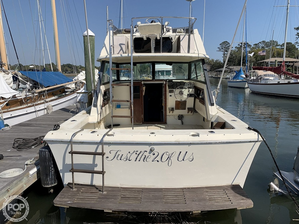 1981 Chris Craft boat for sale, model of the boat is CATALINA 310 EXPRESS & Image # 3 of 40