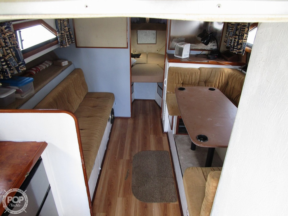1981 Chris Craft boat for sale, model of the boat is CATALINA 310 EXPRESS & Image # 18 of 40