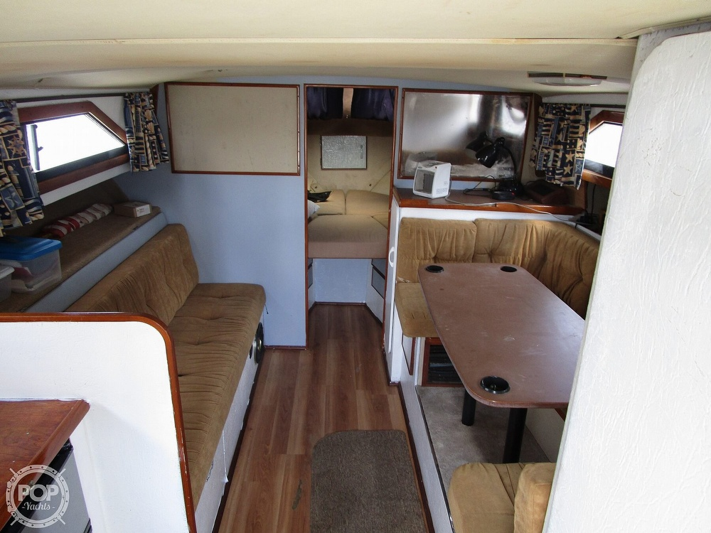 1981 Chris Craft boat for sale, model of the boat is CATALINA 310 EXPRESS & Image # 19 of 40