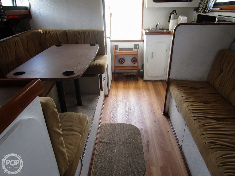 1981 Chris Craft boat for sale, model of the boat is CATALINA 310 EXPRESS & Image # 30 of 40