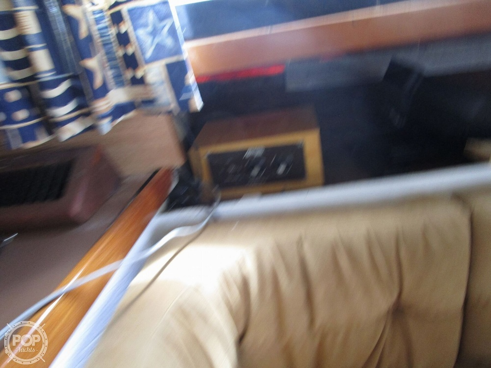 1981 Chris Craft boat for sale, model of the boat is CATALINA 310 EXPRESS & Image # 34 of 40