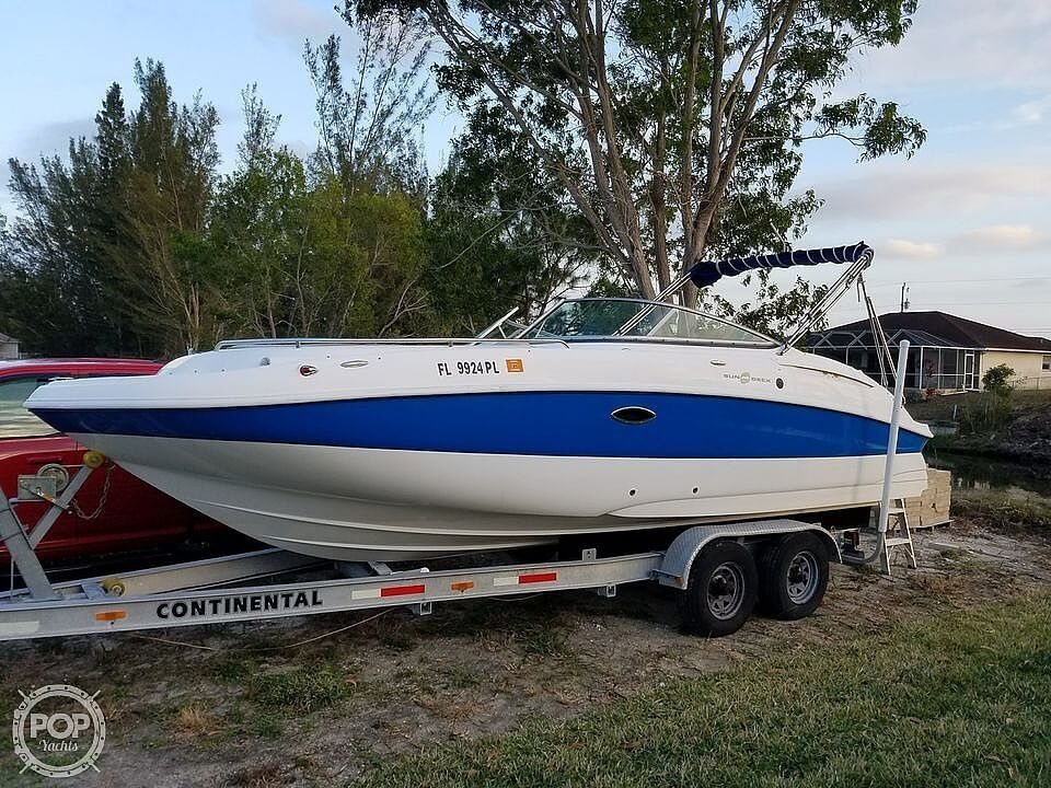 2013 Hurricane boat for sale, model of the boat is Sundeck 2400 & Image # 2 of 21