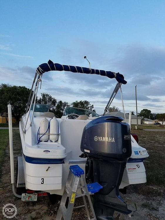 2013 Hurricane boat for sale, model of the boat is Sundeck 2400 & Image # 3 of 21