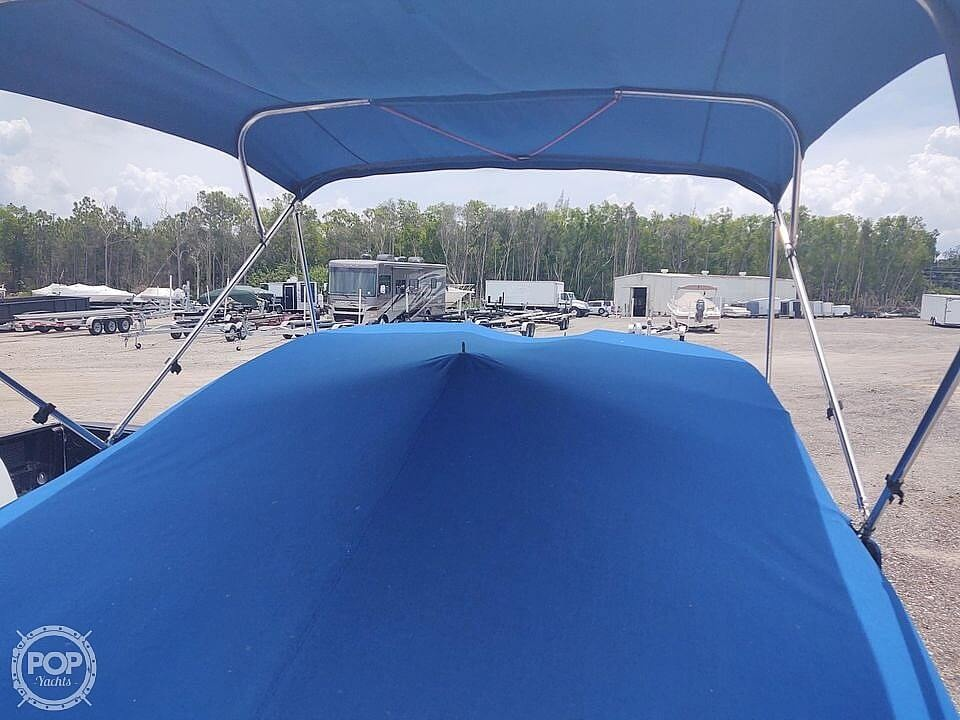 2013 Hurricane boat for sale, model of the boat is Sundeck 2400 & Image # 9 of 21