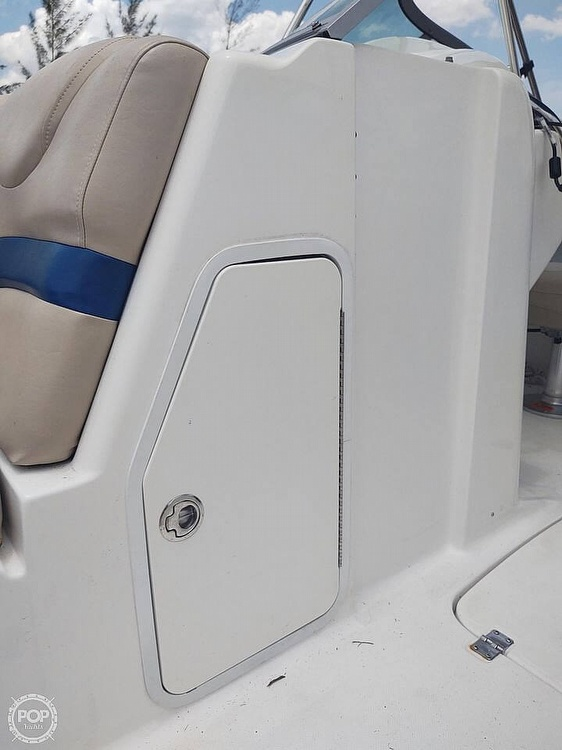 2013 Hurricane boat for sale, model of the boat is Sundeck 2400 & Image # 10 of 21
