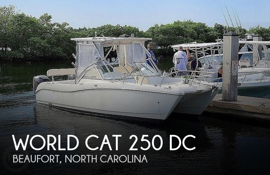 2004 World Cat boat for sale, model of the boat is 250 DC & Image # 1 of 1