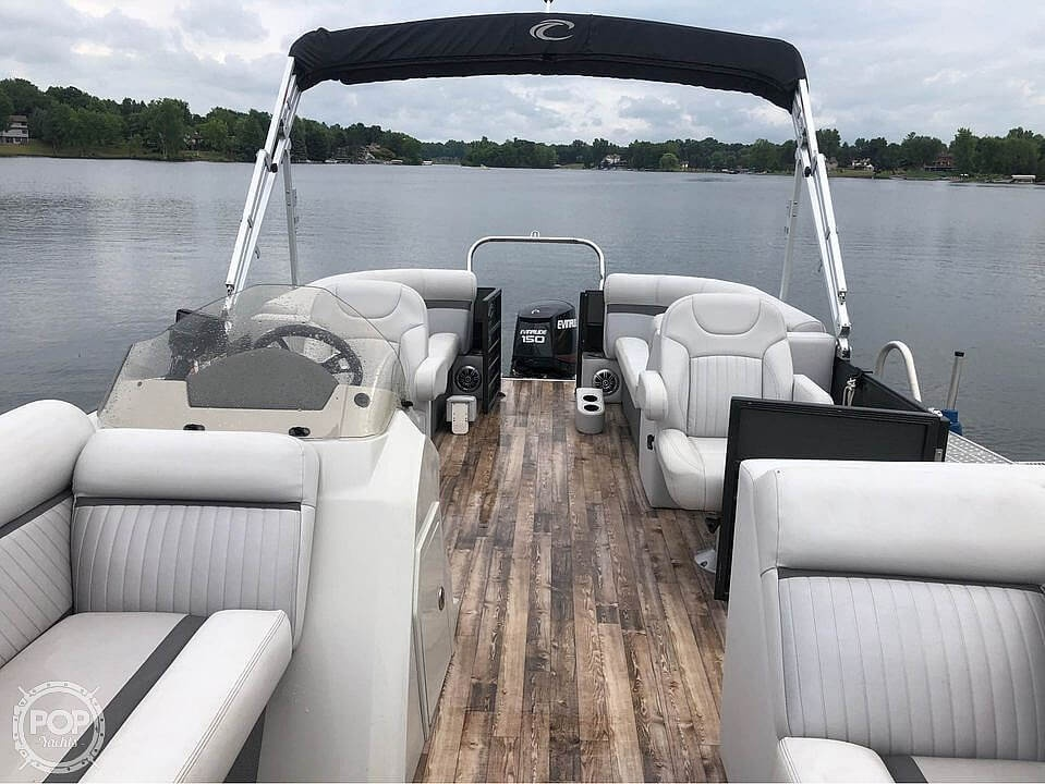 2017 Crest boat for sale, model of the boat is 230 slc & Image # 2 of 16
