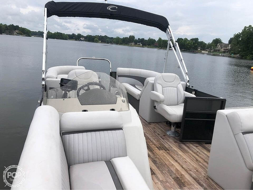 2017 Crest boat for sale, model of the boat is 230 slc & Image # 3 of 16