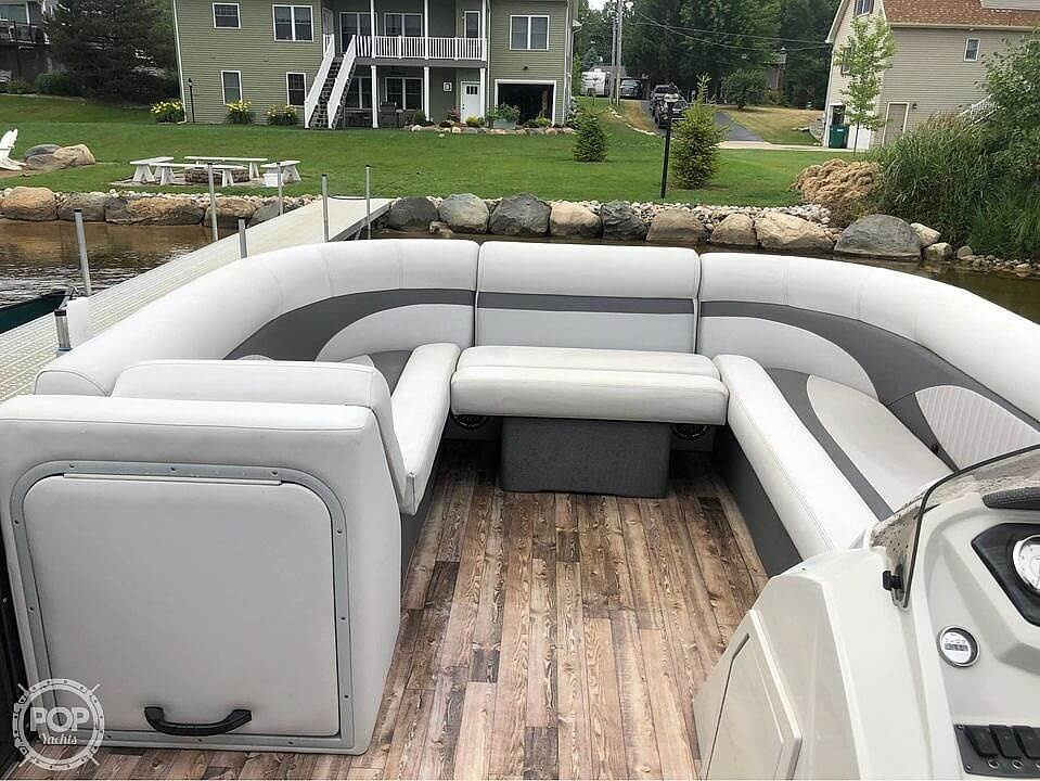 2017 Crest boat for sale, model of the boat is 230 slc & Image # 13 of 16