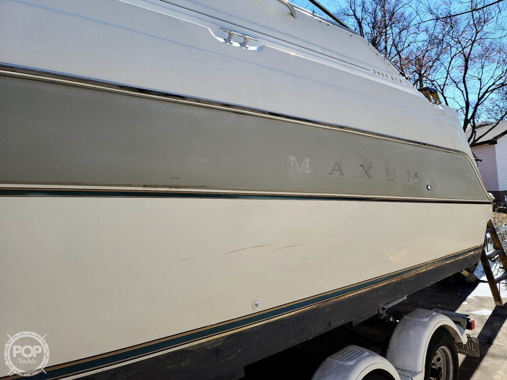 1994 Maxum boat for sale, model of the boat is 2400 SCR & Image # 5 of 40