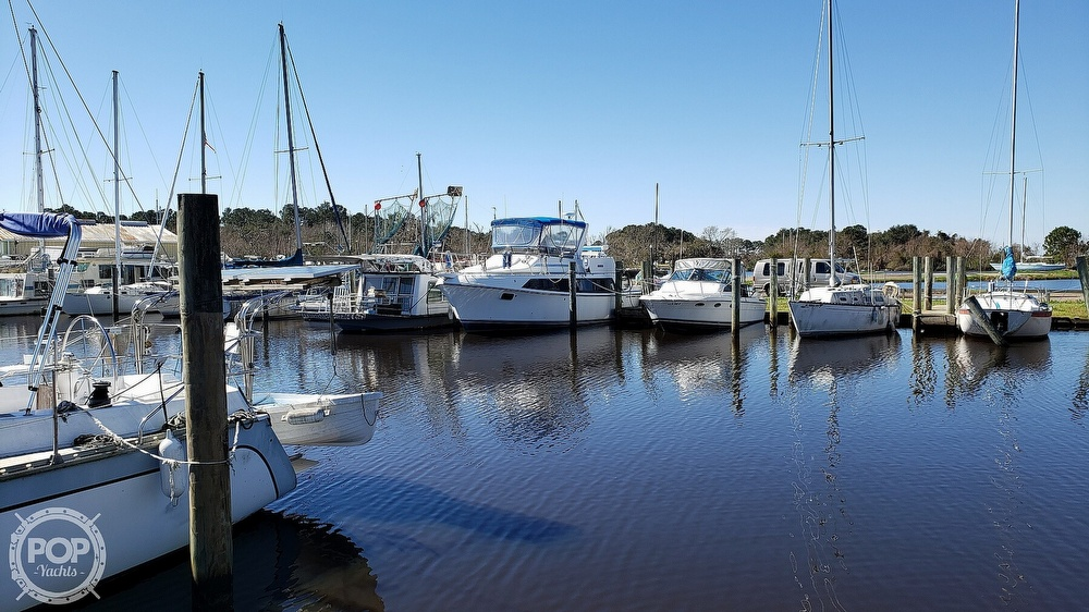 1988 Carver boat for sale, model of the boat is 3697 Mariner & Image # 2 of 40