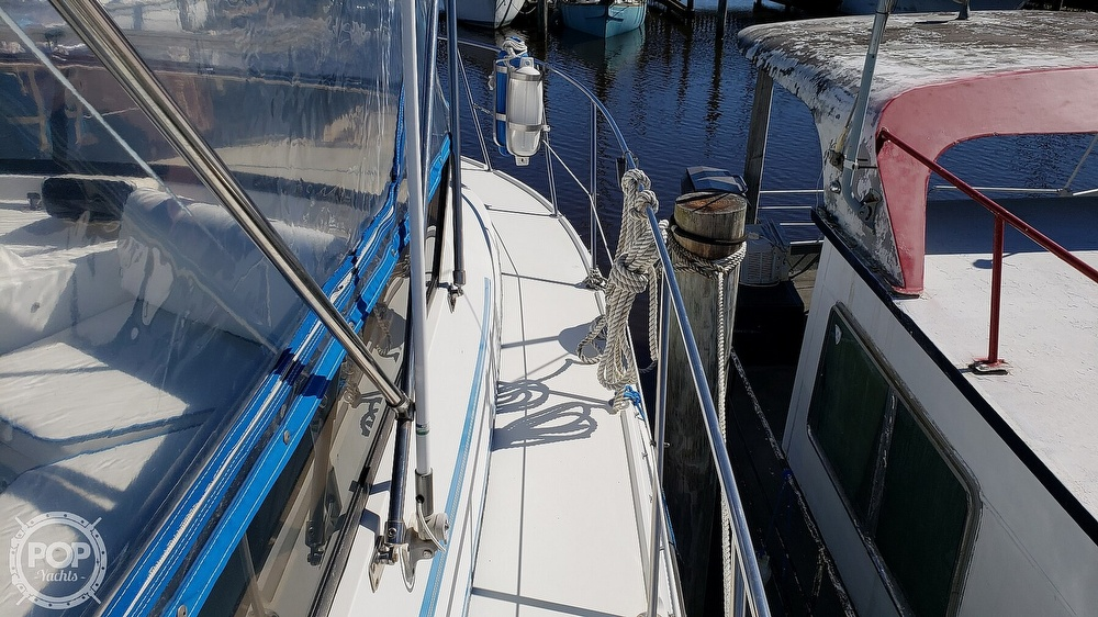 1988 Carver boat for sale, model of the boat is 3697 Mariner & Image # 38 of 40