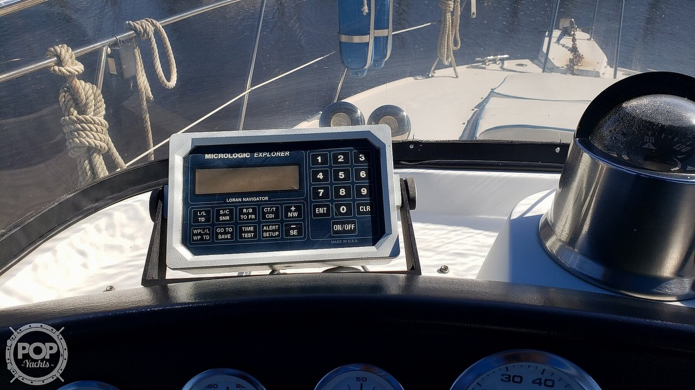 1988 Carver boat for sale, model of the boat is 3697 Mariner & Image # 23 of 40