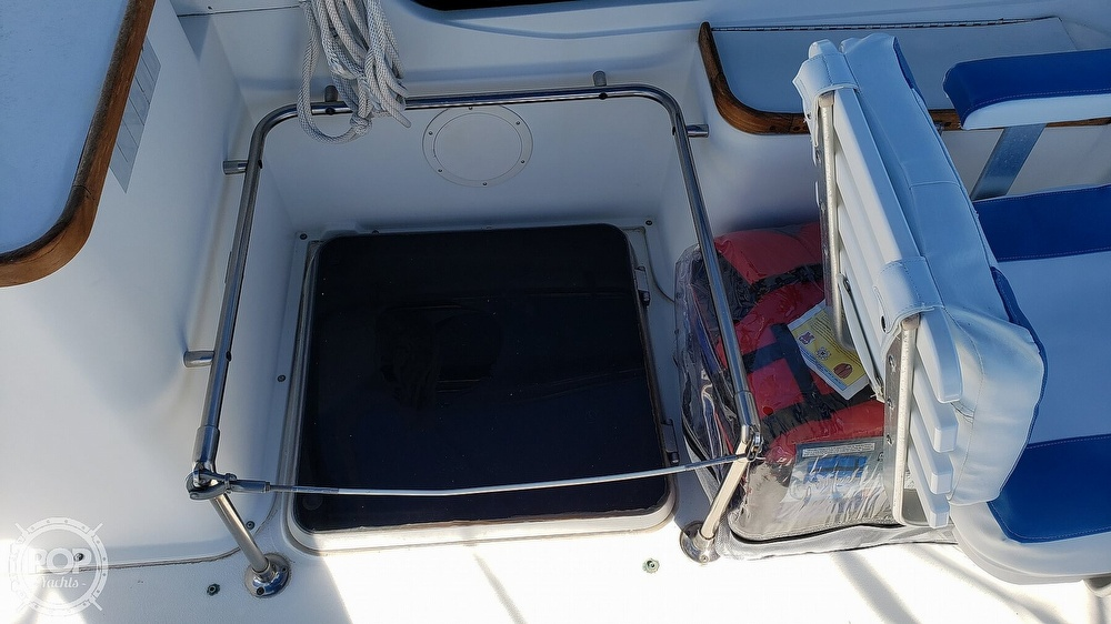 1988 Carver boat for sale, model of the boat is 3697 Mariner & Image # 16 of 40
