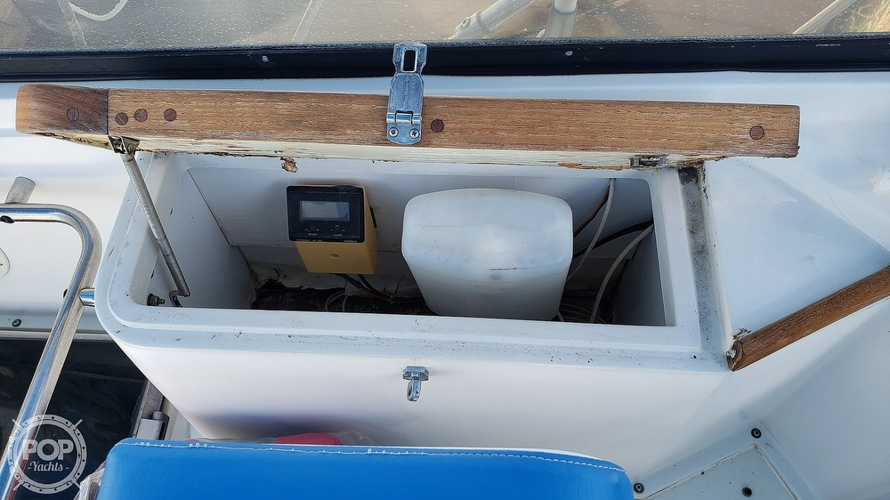1988 Carver boat for sale, model of the boat is 3697 Mariner & Image # 14 of 40