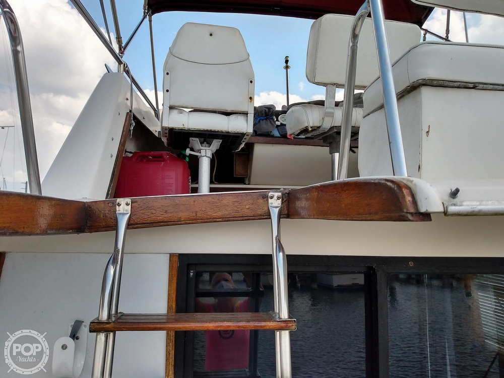 1983 Silverton boat for sale, model of the boat is 34 Convertible & Image # 21 of 40
